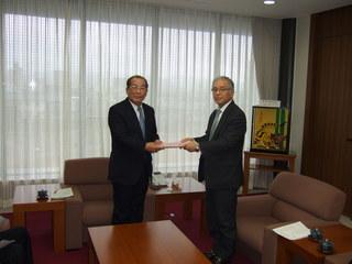 2012_0306要望書提出0003.JPG
